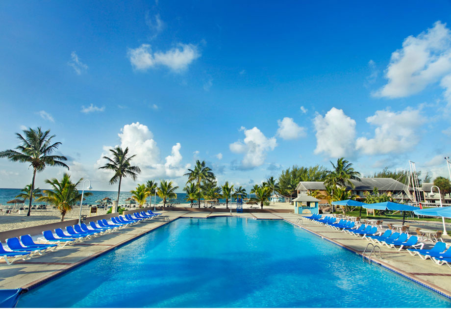 wyndam pool lobby - Bahamas Resorts Hotels